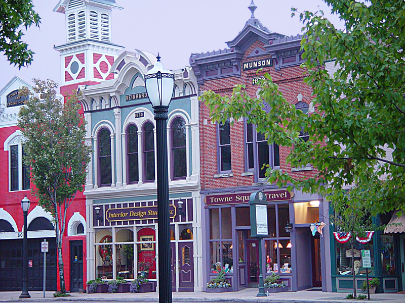 Medina Public Square Storefront and Offices / Arcade Victoria / Market Place